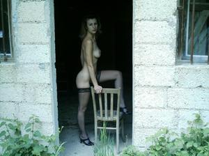 http://img162.imagevenue.com/loc39/th_107477676_Sensual_saggy_Nina_gets_horny_when_flashing_in_nature_50_123_39lo.jpeg