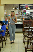 Diane Kruger has breakfast at Gelson's Market in Los Angeles 07/14/12- 17 HQ