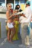 http://img162.imagevenue.com/loc484/th_39383_ParisHilton_Beach09_123_484lo.jpg