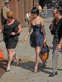 th_63433_Rumer_Willis_2008-08-07_-_visits_76Late_Show_With_David_Letterman_436_122_957lo.jpg